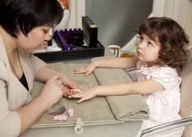 Детский маникюр и его особенности